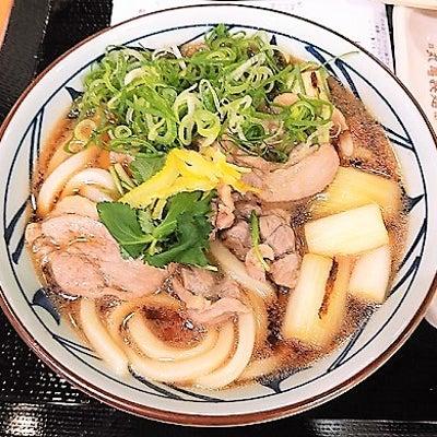 カモがネギを背負って丸亀製麺への記事に添付されている画像