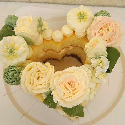 日本サロネーゼ協会「フラワーケーキマスター講座」受講してきました♡の記事に添付されている画像