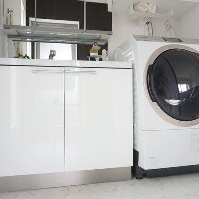 """みんな悩んでた!洗濯機横のムダな""""すきま""""問題を解決◎の記事に添付されている画像"""