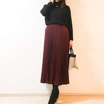 【UNIQLO】ロングスカートとあわせて細見え ♡ 半額ヒートテックTの記事に添付されている画像