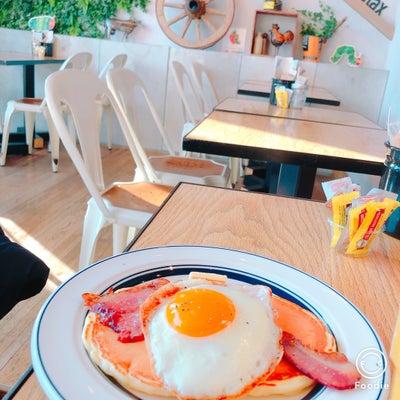 パンケーキのモーニングの駅ナカカフェ。ドリンクもおかわり自由!の記事に添付されている画像