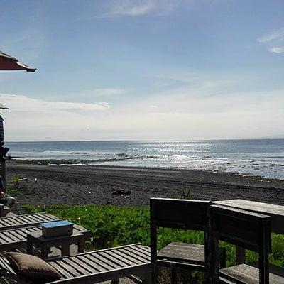 黒砂のビーチでサーフィン見学~Keramas Beach~の記事に添付されている画像