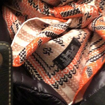 手編み風シルクスカーフの記事に添付されている画像