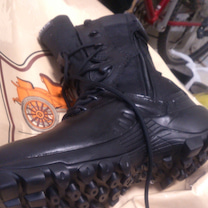 自分の山登り用の靴 BATESの記事に添付されている画像