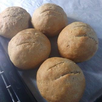 ライ麦粉をもらったけど調べもせずにパン作って大失敗?