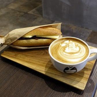 浅草カフェのあんバタードッグ スケマサコーヒー