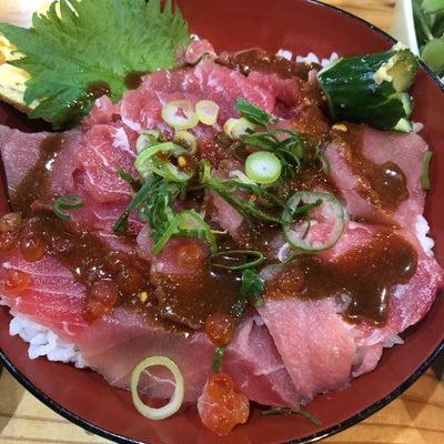 大阪堺の居酒屋やっちゃんでお昼ご飯に鉄火丼の記事に添付されている画像