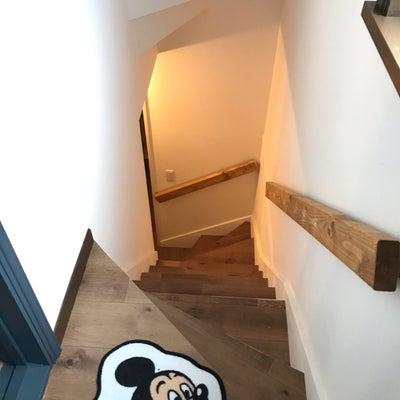 階段手すりDIYの記事に添付されている画像