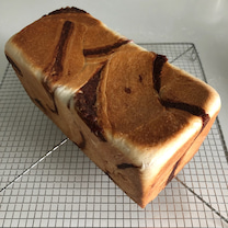 餡マーブル食パンの記事に添付されている画像