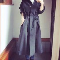 GUのドローストリングフーデッドコートはあえてブラックで。の記事に添付されている画像