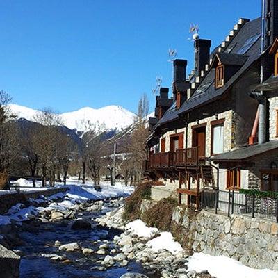 雪景色のピレネーも良い天気ですの記事に添付されている画像