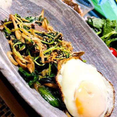 晩ご飯(スタミナ炒め、おからサラダとほうれん草サラダ、もずくたこ酢、すまし汁)の記事に添付されている画像