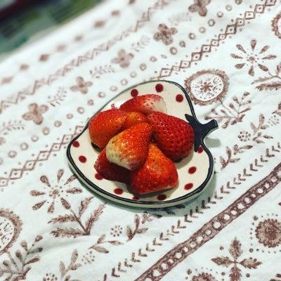 イチゴのお皿の記事に添付されている画像