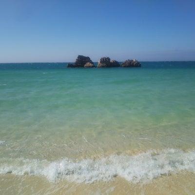 青いアラハビーチの記事に添付されている画像