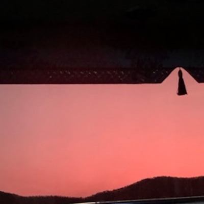 明けない夜はない サンライズレッド似合ってたよ。の記事に添付されている画像