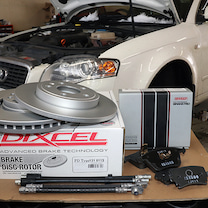 Audi A4/ブレーキパッド・ローター・ホース交換!の記事に添付されている画像