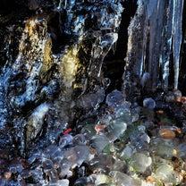 氷の芸術の記事に添付されている画像