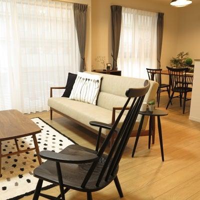 比べてみて下さい!同じ家具を内装のイメージが異なるお部屋に置いてみました!の記事に添付されている画像