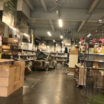 パリのランジス花市場でリボンの買い付けの記事に添付されている画像