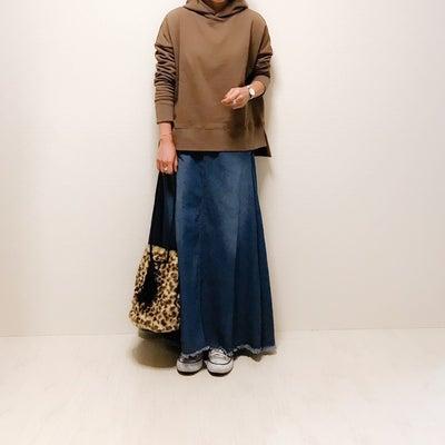 大人が着たいスウェットプルパーカの記事に添付されている画像