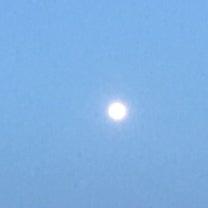 昨日のお月様と今朝のイブちゃんの記事に添付されている画像