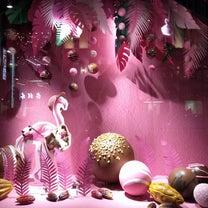 銀座三越 今回は、ちょっとエキゾチックなショーイングディスプレイ 老舗の百貨店 の記事に添付されている画像