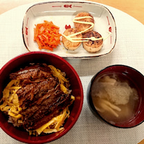 *蒲焼き丼のお夕飯*の記事に添付されている画像