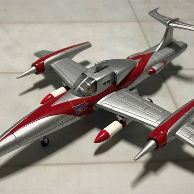 ウルトラマンA から TACの主力戦闘攻撃機 タックアローの記事に添付されている画像