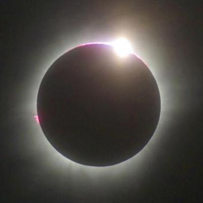 地球と月と太陽の記事に添付されている画像