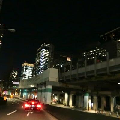 夜の街をの記事に添付されている画像