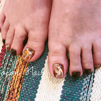 brown nailの記事に添付されている画像