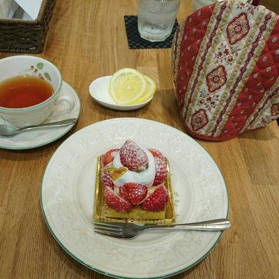 「コカルド ラ・テラス」京橋であまおうタルトケーキ♪の記事に添付されている画像