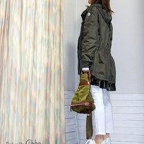 モンクレールの薄手フーテッドコートで白コーデ♪の記事に添付されている画像