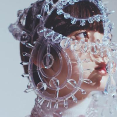 表現者平手友梨奈としての仕事の記事に添付されている画像