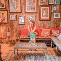 チェンマイのホテル「CHAIYO HOTEL」はカラフルな異国テイストがおしゃれの記事に添付されている画像