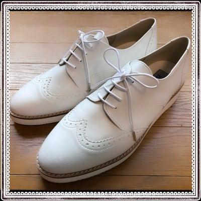 マリンスタイルもカジュアルも、白い靴があれば♡の記事に添付されている画像