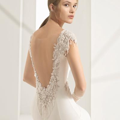 ウェディングドレス試着③オーセンティック銀座「ロサ クララ」の記事に添付されている画像