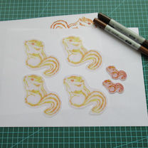 ひさびさお絵かき&プラ板でリスちゃんチャームの記事に添付されている画像