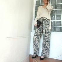 styling/ kei shirahata パームツリー柄パンツでリゾート気分の記事に添付されている画像