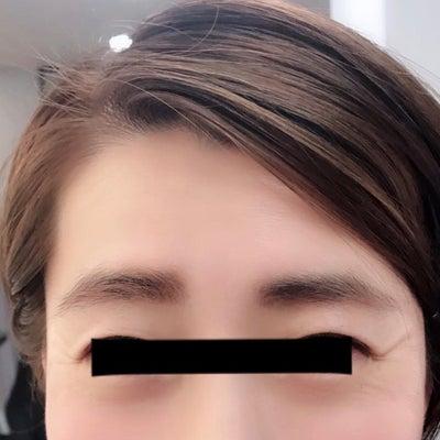 眉毛スタイリングの記事に添付されている画像