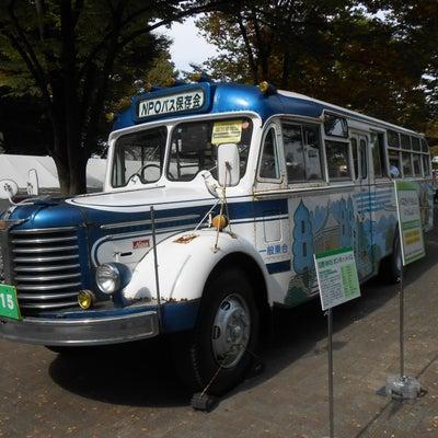 勤続年数50年のバス運転手の記事に添付されている画像