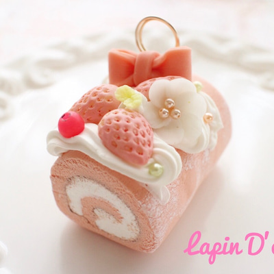 女子力満点のロールケーキが出来上がりましたー♡の記事に添付されている画像