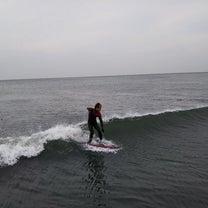 今朝の鵠沼の波です!の記事に添付されている画像
