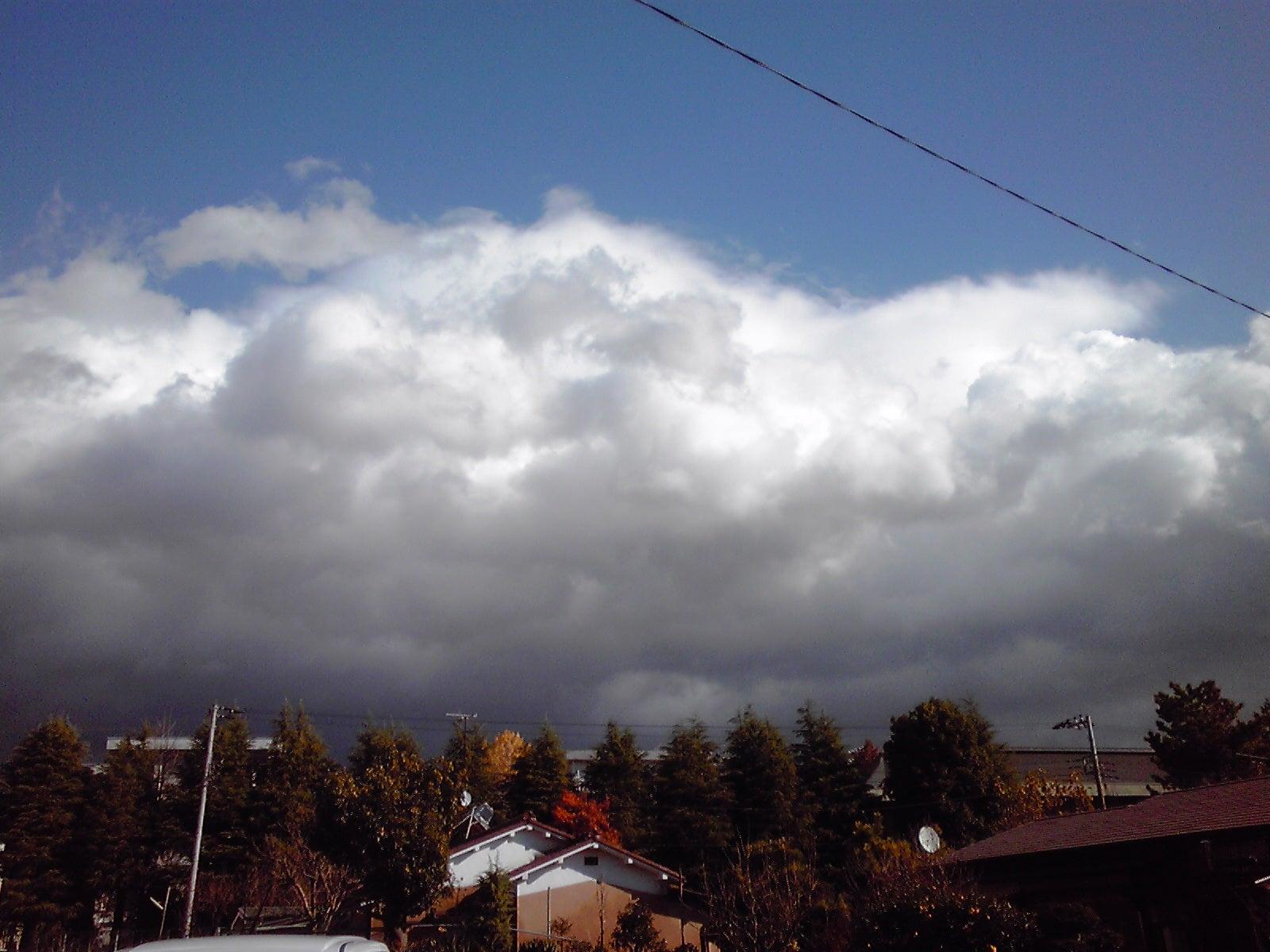 防災 東日本大震災の前日(日没後)の巨大断層地震雲(注意