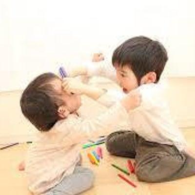 幼児期のお悩み『お友達をたたいてしまう』対処法は?の記事に添付されている画像
