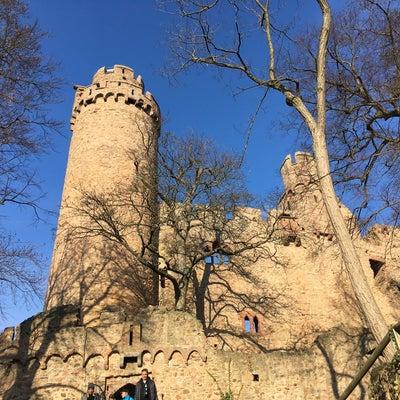 晴天のアウアーバッハ城(ベルグシュトラーセ)の記事に添付されている画像
