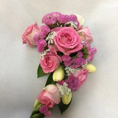 生花のコサージュレッスンの記事に添付されている画像