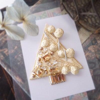 ゴールドカラーの【cadeaux de Noël】♡の記事に添付されている画像