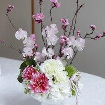 桃のフラワーアレンジメント〜フレッシュフラワーの記事に添付されている画像