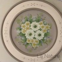 トールペイント作品◇プレートに咲くお花達♪の記事に添付されている画像